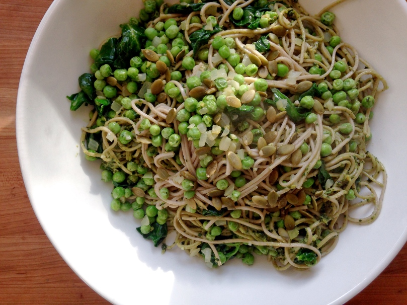 Soba Noodles with Spinach Pesto and Peas